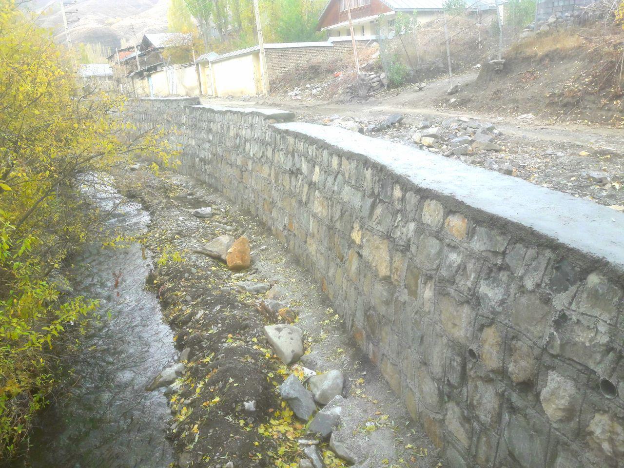 اتمام دیوارکشی کنار رودخانه نسن